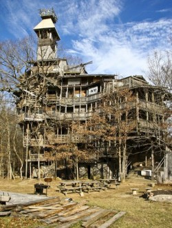Stunning photos show TEN-STOREY tree house that makes Swiss Family Robinson look like amateurs